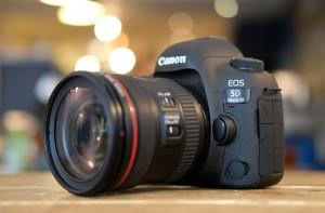 Canon5DIV_hero3_4000 (1)